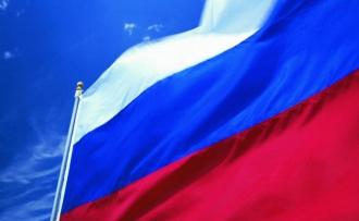Школы будут стоять под флагом России круглосуточно